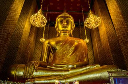 Buddha gold statue   Wat Kalayanamitr Varamahavihara,  Bangkok, Thailand