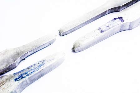 specimen testing: Bar de muestras de ensayo de tracci�n en el fondo blanco