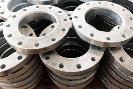 flanges: New flanges in the workshop of the plant