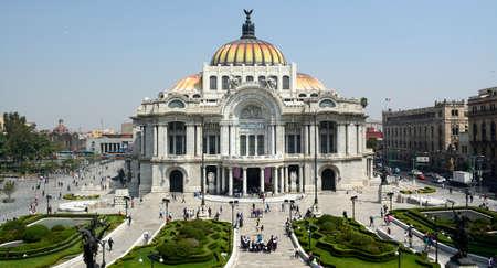 メキシコシティで Palacio de Bellas Artes
