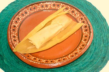 ピクテとして知られているチアパスのメキシコのタマル、トウモロコシで作られた甘いタマル