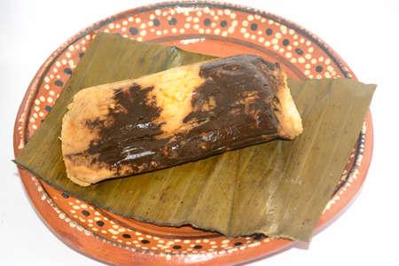 カンデラリアの日のお祝いのための料理にオアハカからメキシコのモルタマル