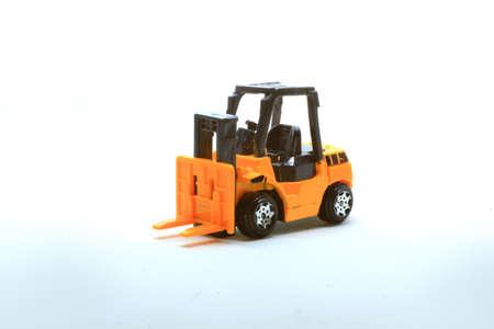 l'introduction des médias aux outils de construction peut être des images - des vidéos - des formes miniatures, en fonction de l'âge de l'enfant