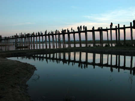 Scenery of Ubein Bridge in Mandalay Myanmar.  The scenes are absolutely fabulous! Stock Photo - 6276641