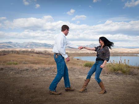 vaqueras: Swing de pa�s bailando al pie de las monta�as.