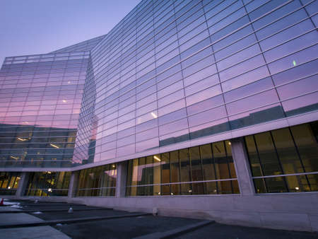 moders: Lindsey-Flanigan Courthouse before sunrise. Editorial