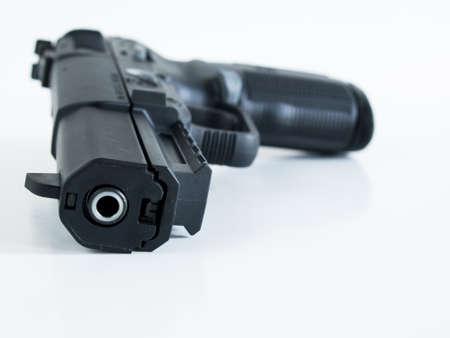 FN 5-7 は、大容量マガジン、両手利きのコントロール、低反動、および特定のカートリッジ タイプを使用するときのソフト防弾チョッキを貫通する能 写真素材