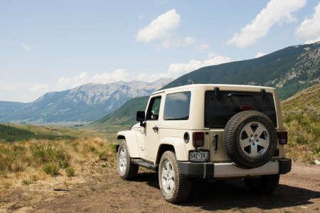 4 wheel: Jeep en el mirador en el �rea de Crested Butte, Colorado. Editorial