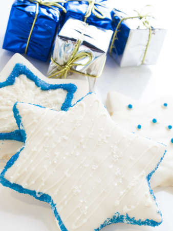 Gourmet cookies decorated with white icing for Hanukkah. Stock Photo - 15943931