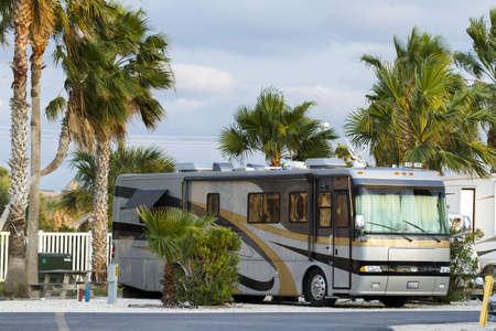 motorhome: Campeggio camper su South Padre Island, TX. Editoriali