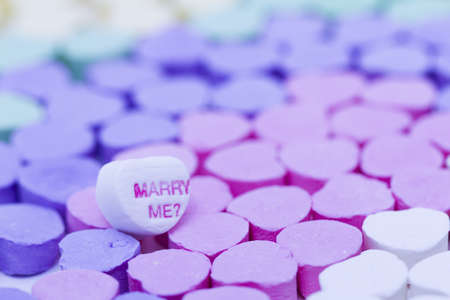 Canversation Heart candies separated by color. Imagens