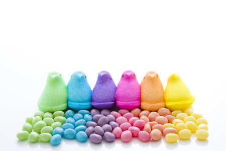 jelly beans: Arcobaleno di colori fa capolino marshmallow e gelatine.