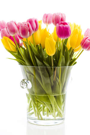 Yellow and pink tulips in spring bouquet. Imagens - 18721086