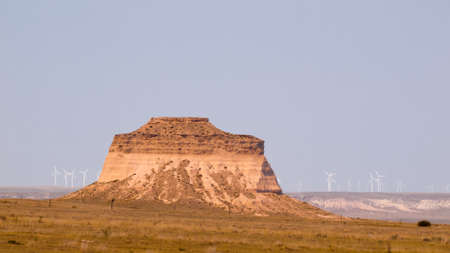 pawnee grassland: The Pawnee Buttes are two prominent buttes located within the Pawnee National Grassland in Weld County, of northeastern Colorado. Buttes are erosional remnants left standing in isolation as the surrounding High Plains surface has gradually worn away Stock Photo