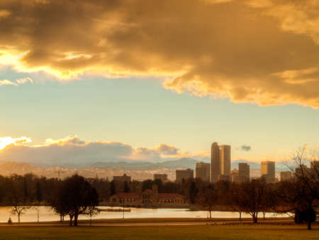 A view of Denver, Colorado downtown right before sunset. Archivio Fotografico