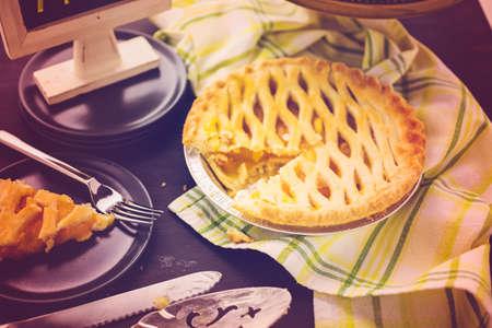 Fresh homemade pie made from organic berries. Imagens