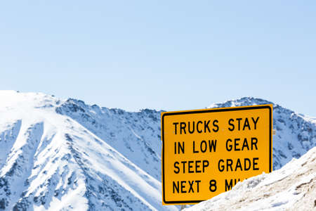 loveland: Typical weekend at Loveland pass on late Winter day.