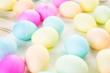 Painted with pastel colors Easter eggs. Imagens