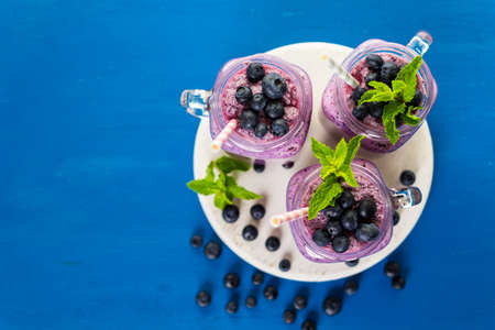 yogurt plain: Blueberrie smoothie made with fresh organic blueberries and plain yogurt.