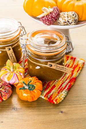 Homemade pumpkin butter made with organic pumpkins. Imagens - 45971353