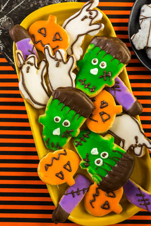 Variety of sweets prepared as Halloween treats. Stok Fotoğraf - 47233136