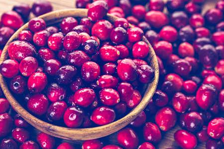 arandanos rojos: Organic fresh cranberries in season.