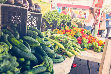 Local produce at the summer farmers market in the city. Banco de Imagens