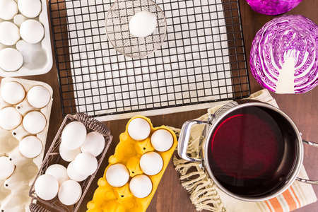 dyeing: Dyeing Easter eggs with natural dye colors.