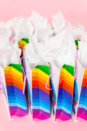 Birthday party favors with unicorn theme at little girl's birthday party. Banque d'images - 111197985