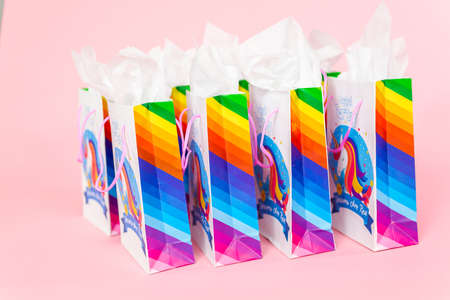 Birthday party favors with unicorn theme at little girl's birthday party. Banque d'images - 111198337
