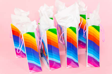 Birthday party favors with unicorn theme at little girl's birthday party. Banque d'images - 111198847