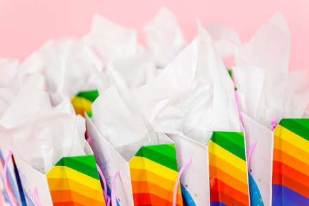 Birthday party favors with unicorn theme at little girl's birthday party. Banque d'images - 111273549
