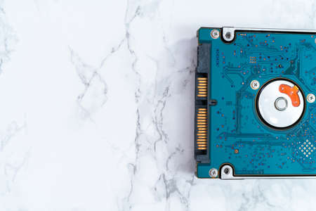 Internal and external solid state hard drives on the table. Stockfoto