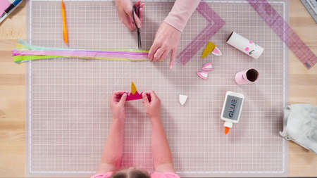 Flat lay. Step by step. Making unicorns out of paper and empty toilet paper rolls. Stok Fotoğraf