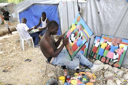 ポルトープランス-8 月 31 日: アーティスト絵画画像と背景の子供たちの演奏チェス-2010 年 8 月 31 日にポルトープランス、ハイチでの社会的なコン
