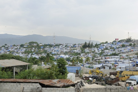 tent city: PORT-AU-PRINCE - AUGUST 28: An wide angle view of the Tent City named Acra on August 28, 2010 in Port-Au-Prince, Haiti Editorial