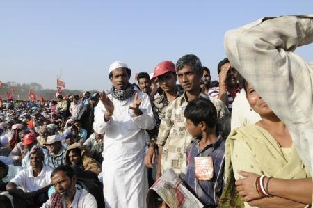 KOLKATA- FEBRUARY 13: A Muslim follower clapping during a political rally in Kolkata, India on February 13, 2011. Reklamní fotografie - 21120387