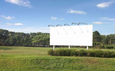 puste billboardu z własną wiadomość