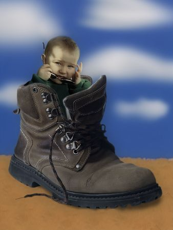 wanderer: Child in shoe