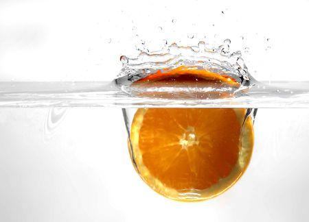 greening: Fruits in water