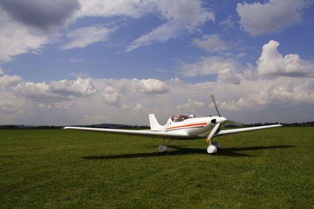 Aircraft and clouds Zdjęcie Seryjne