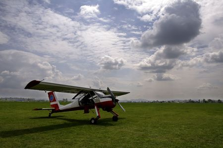 Aircraft and clouds Zdjęcie Seryjne - 443794