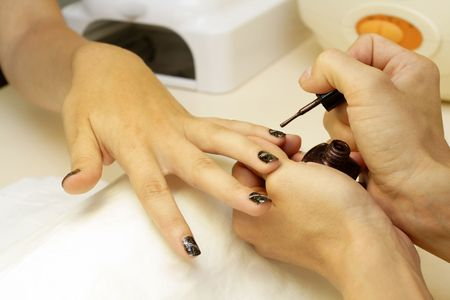 manicura: Visita en cosmetolog�a, que representa a las u�as
