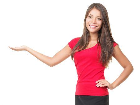 Vrouw toont uw product op wit wordt geïsoleerd.  Stockfoto - 6813846