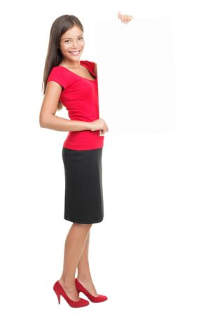 skirts: mujer de negocios que muestra permanente de papel de signo sobre fondo blanco.