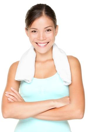 Fitness vrouw portret geïsoleerd op een witte achtergrond. Lachende gelukkig vrouwelijke fitness model camera kijken. Verse mooi multiraciale Kaukasische Aziatische fitness meisje. Stockfoto - 10043897
