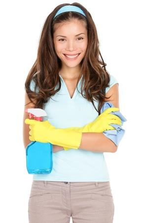 mujer limpiando: Mujer de la limpieza de primavera listo para la limpieza de primavera sonriendo con guantes de goma y productos de limpieza.