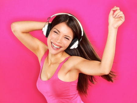 woman wearing headphones Standard-Bild