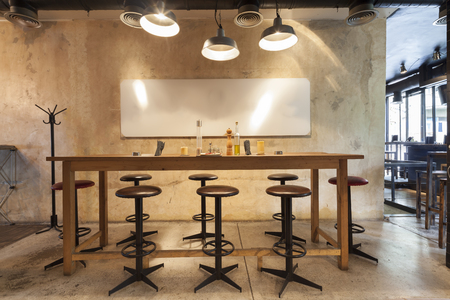 pult: tavola nel ristorante interno
