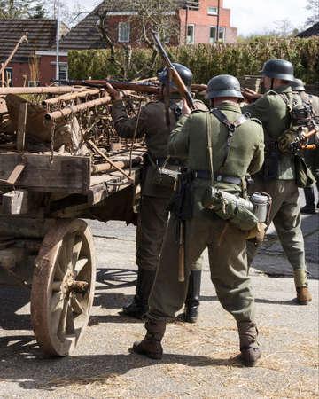 soldiers: German soldiers